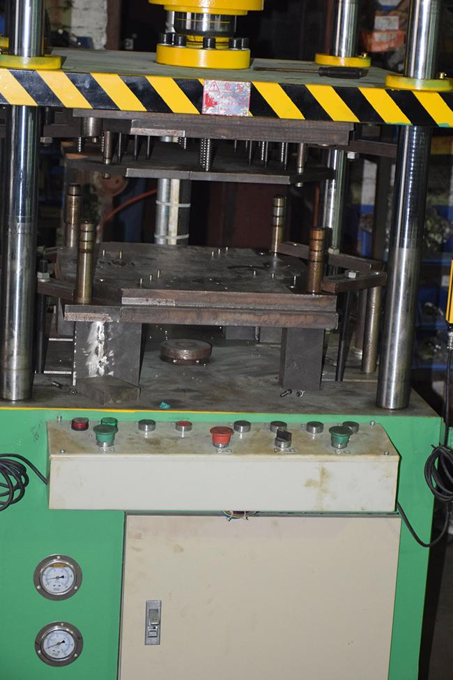 yb31-400油压机电路图